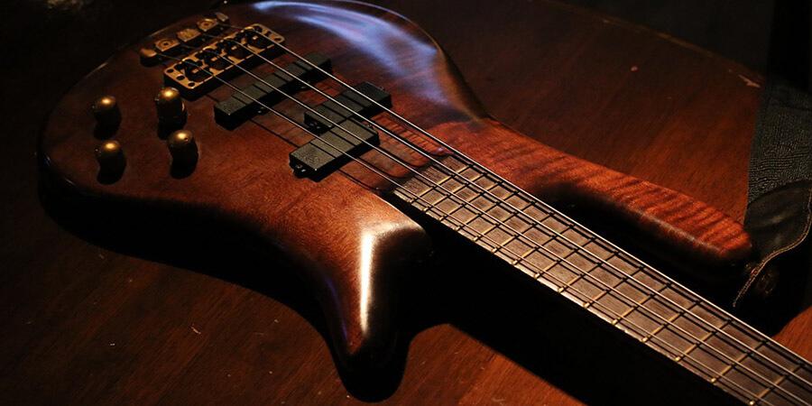 9 Easy Bass Guitar Songs for Beginners [4 C'S Method]